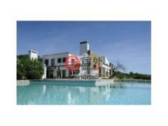 居外网在售葡萄牙Santa Catarina da Fonte do Bispo的房产总占地25000平方米EUR 1,495,000