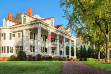 居外网在售美国12卧12卫曾经整修过的房产总占地929平方米