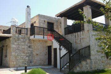 居外网在售塞浦路斯Kato Arodhes3卧2卫的房产总占地186平方米EUR 350,000