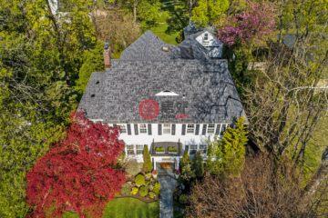 居外网在售美国6卧5卫最近整修过的房产总占地1880平方米USD 2,750,000