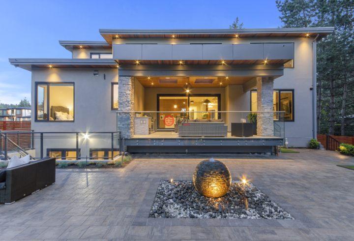 加拿大不列颠哥伦比亚省萨里的独栋别墅,14317 31A Avenue,编号59500439